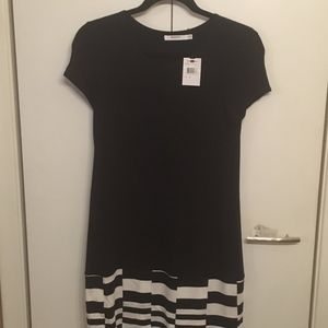 NWT - Bailey 44 Drop Waste Shift Dress